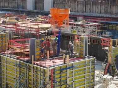 建設業許可の基準は500万円?請負工事の決まりと許認可要件を解説!